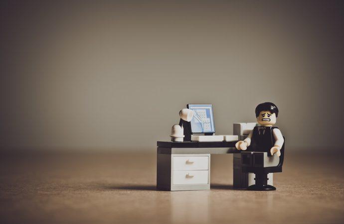 Señales de que estás autosaboteando tu vida laboral